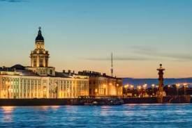LES DEUX RIVALES: DE SAINT PETERSBOURG A MOSCOU